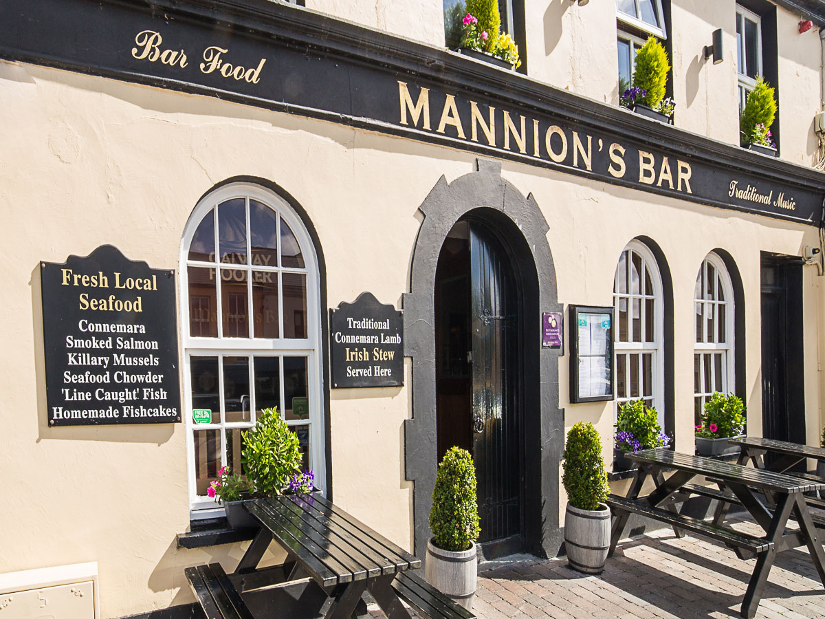 Mannions Bar Clifden